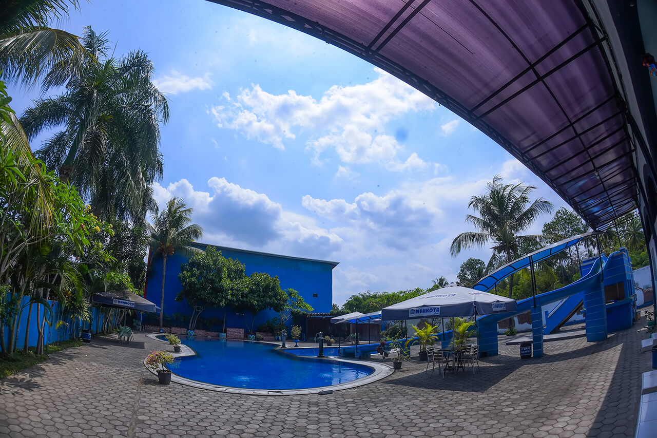 Mahkota Hotel Swimming Pool